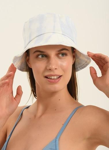 Morhipo Beach Kadın Batik Desenli Şapka MBKSS21SP0005 Ekru